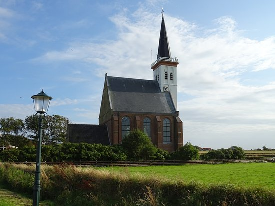 Hoornder kerkje in Den Hoorn (600 jaar oud)